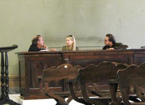 Konsultacje - po lewej: prof. malarstwa Omar Galliani, po prawej: asystent prof. Fabio Sciortino