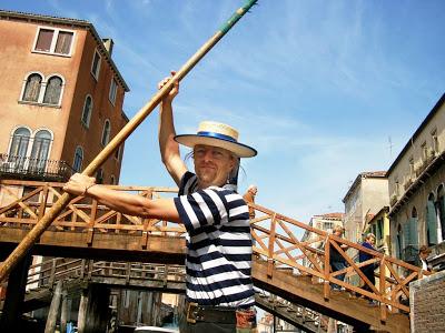 Kuba Rekwirowicz jest gondolierem w Wenecji od 14 lat