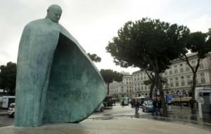 statua-papa-giovanni-paolo-ii